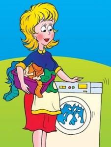 Мама стирает в стиральной машине